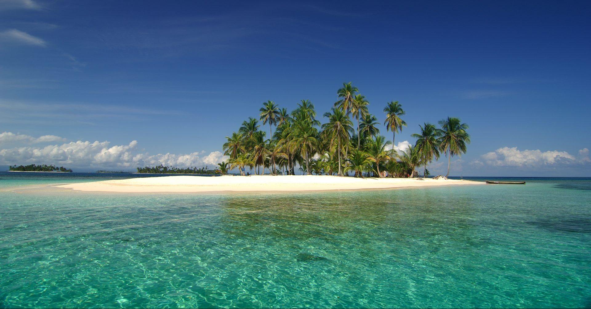 Panama_Playa San Blas_Insel_Strand mit Palmen_Reisen