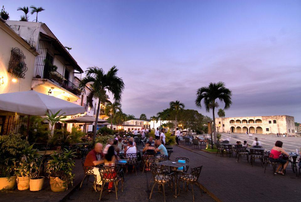 Dominikanische Republik_Santo Domingo_Plaza Espana_Strassencafes_Reisen