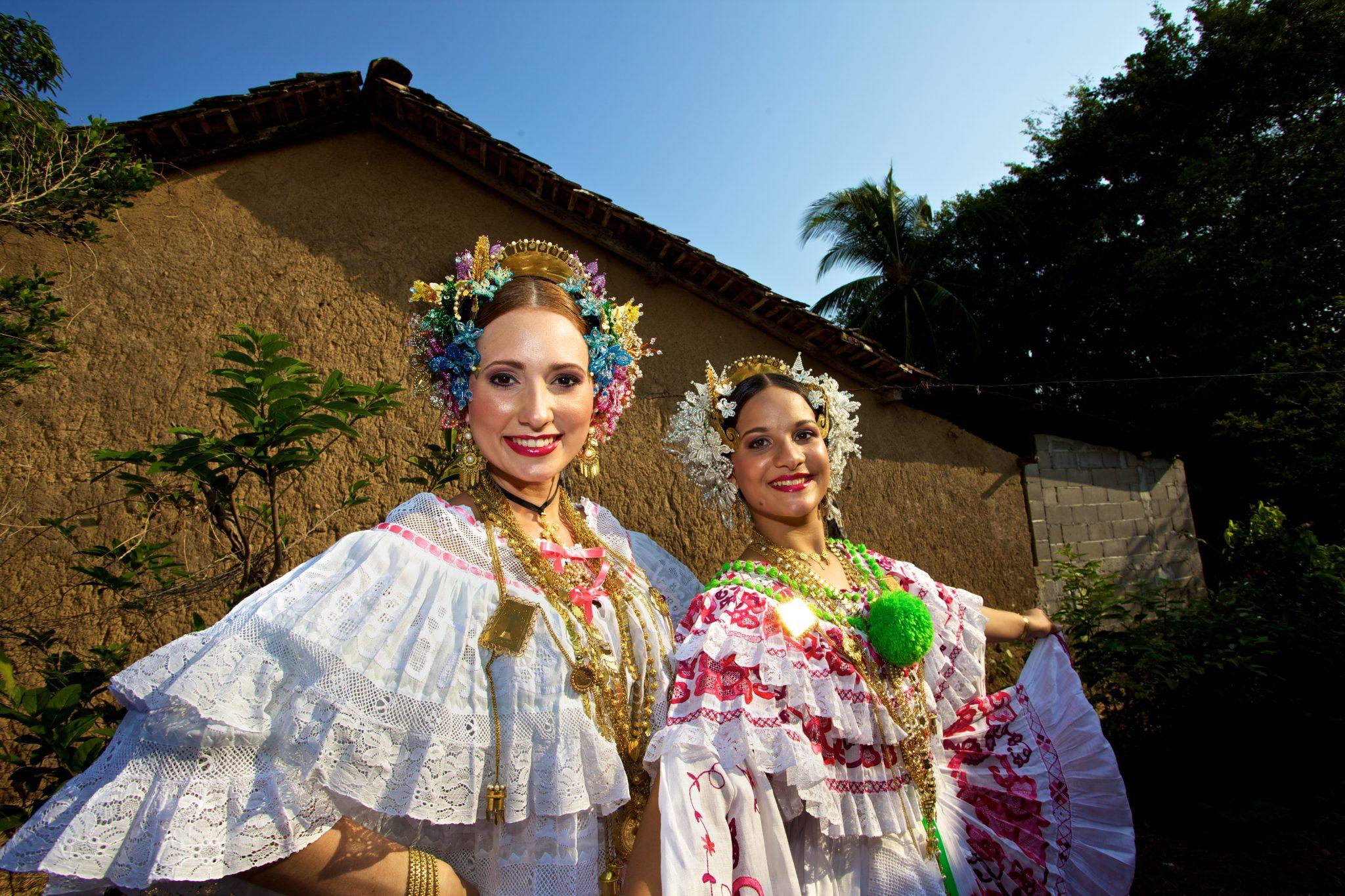 Panama_Frauen in Tracht_Reisen