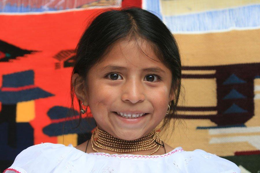 Ecuador_Maedchen_Tracht_Reisen
