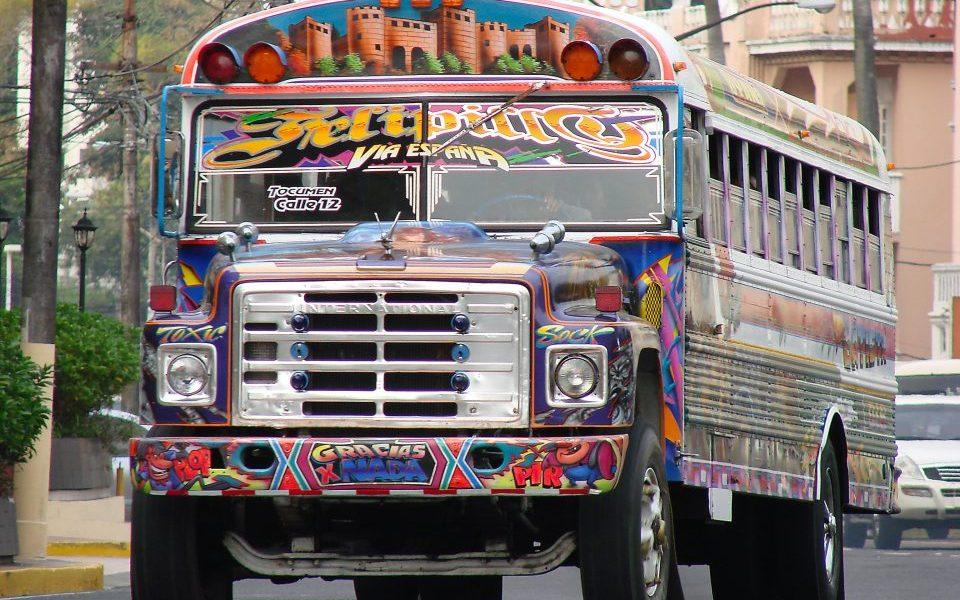 Panama_Panama City_bunter Bus_Reisen