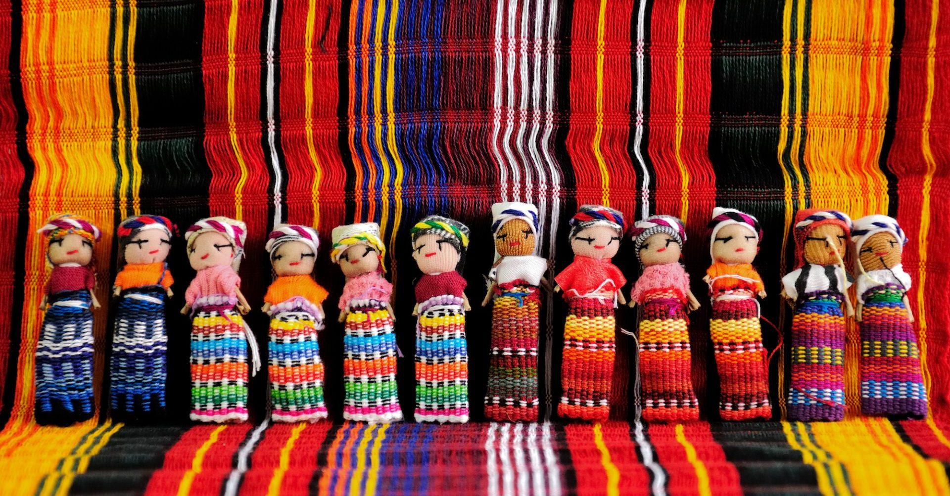 Guatemala, Kunsthandwerk, bunte Stoffe, Reisen