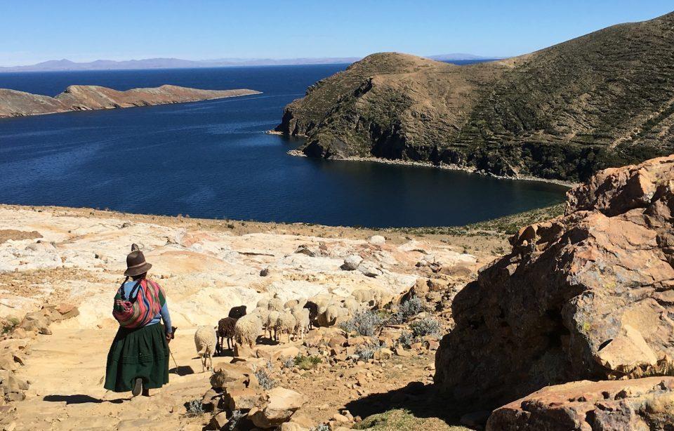 Bolivien, Schafhirtin, Sonneninsel, Latin America Tours, Reisen