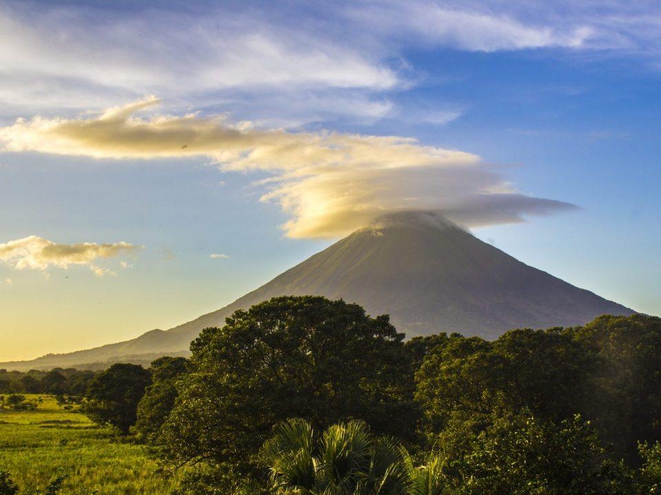 Nicaragua, Vulkan, Latin America Tours, Reisen
